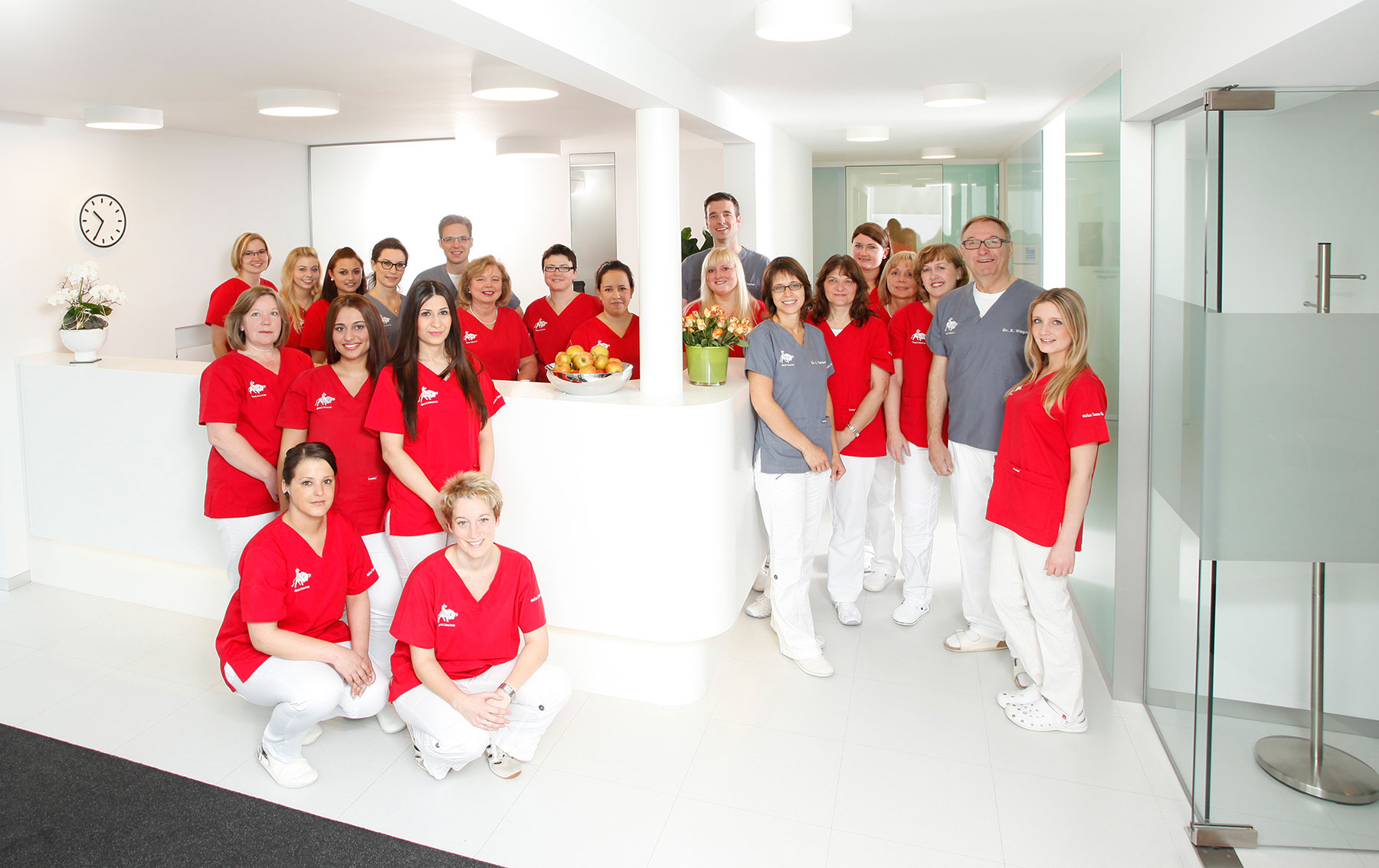 Das Praxisteam von dent.taurus, starkes Team für starke Zähne.